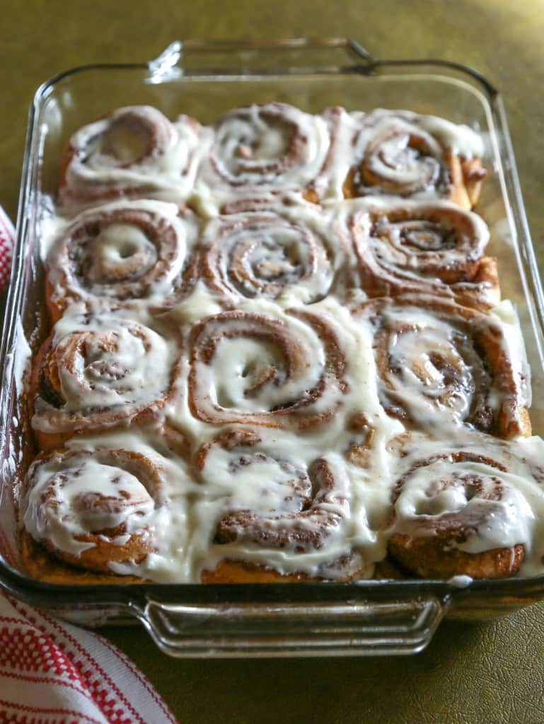 Cinnabon Cinnamon Rolls Copycat - one of my favorite recipes of all time! I could eat a whole pan. the-girl-who-ate-everything.com