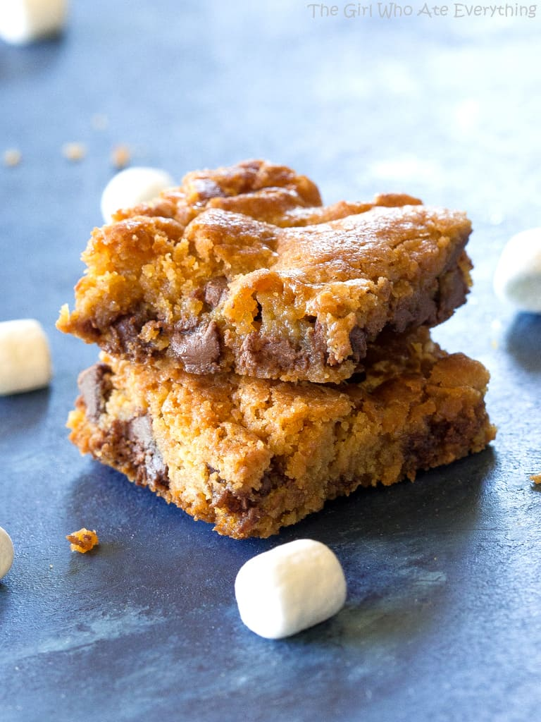 chocolate chip cookie bar with marshmallows
