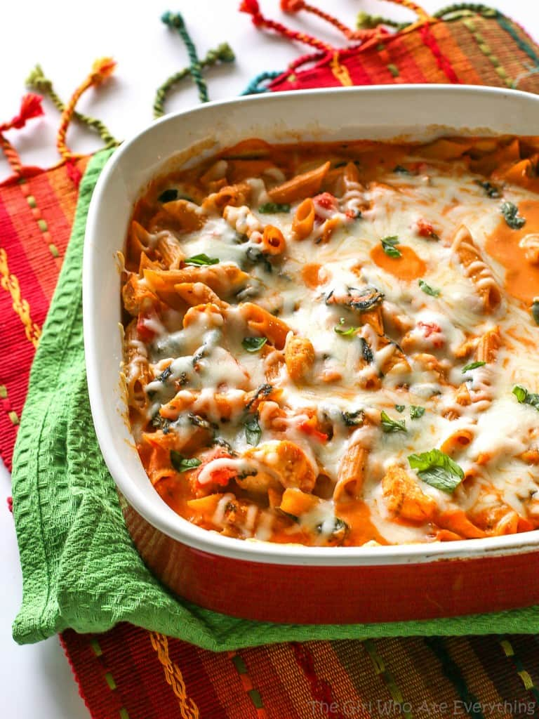 Healthy Three Cheese Penne - only 460 calories per serving which is 1/4 of this dish! the-girl-who-ate-everything.com