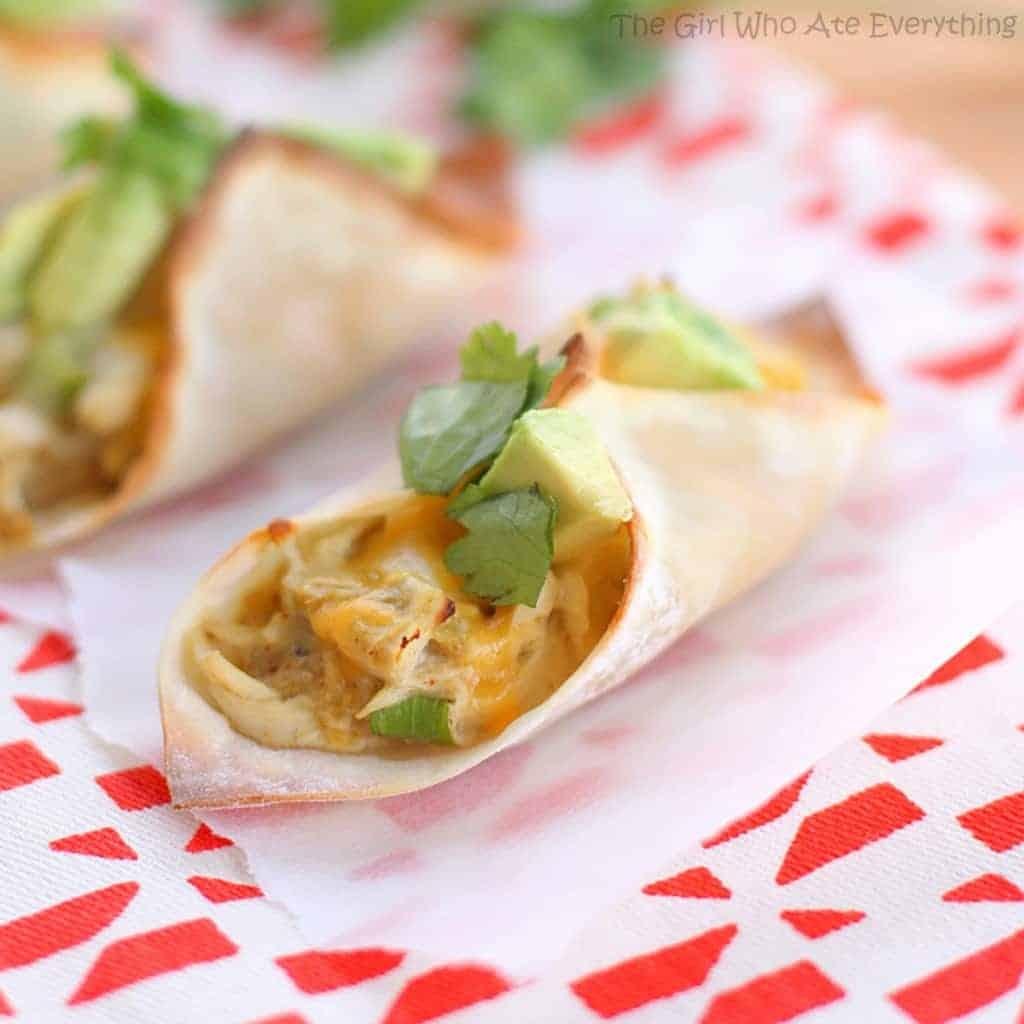 chicken-verde-wonton-taco-inside