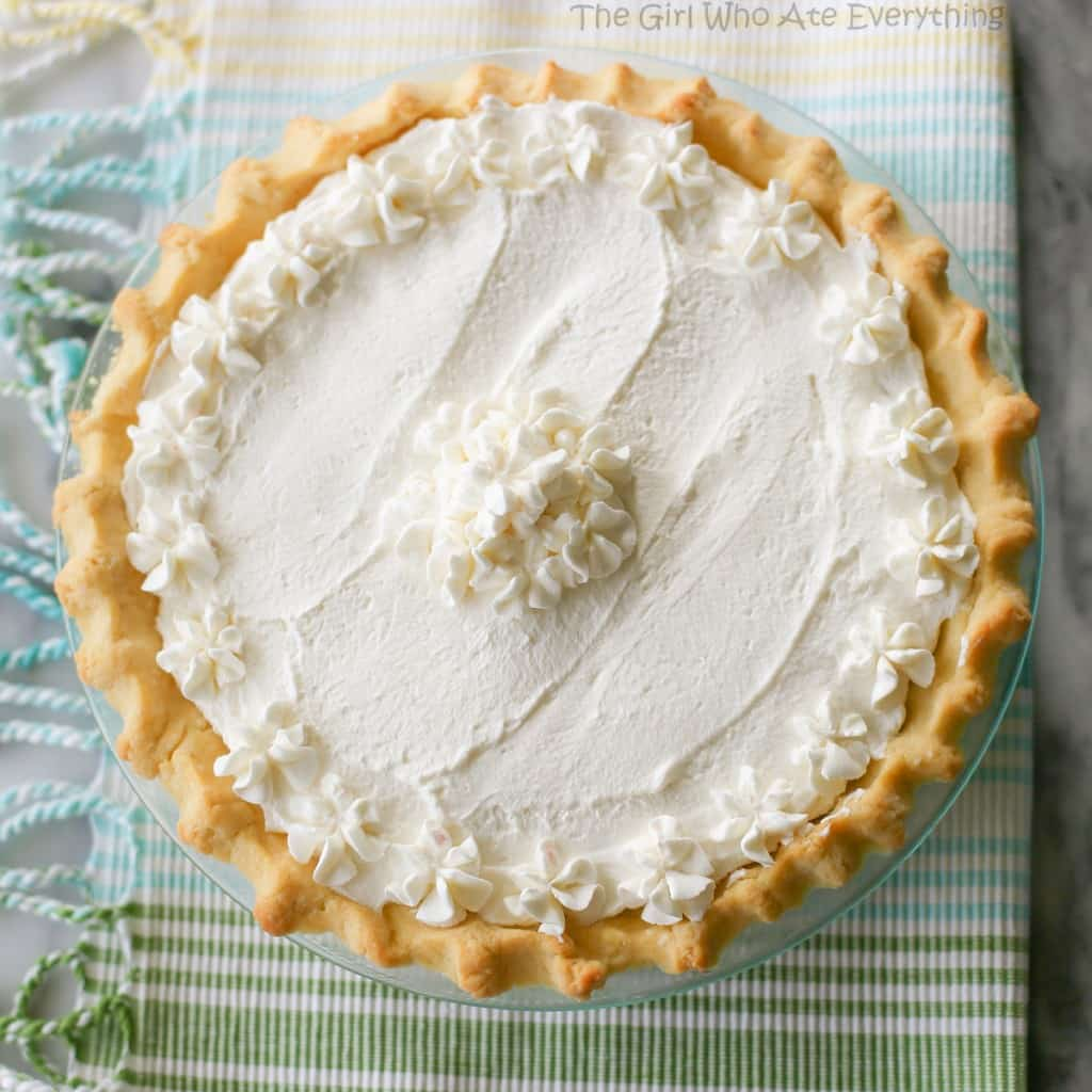 This Banana Cream Pie is made with a super easy homemade custard and layers of bananas. the-girl-who-ate-everything.com