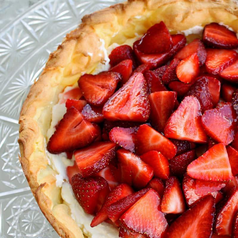 strawberry-cream-puff-cake