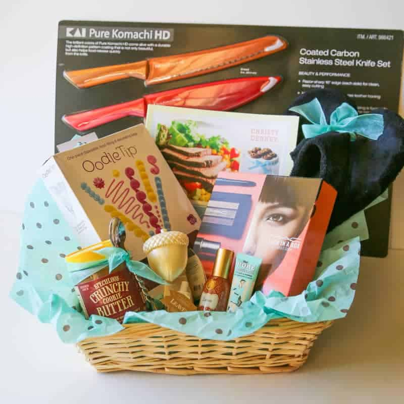 My Favorite Things 2014 - great inexpensive gift ideas for Christmas. the-girl-who-ate-everything.com