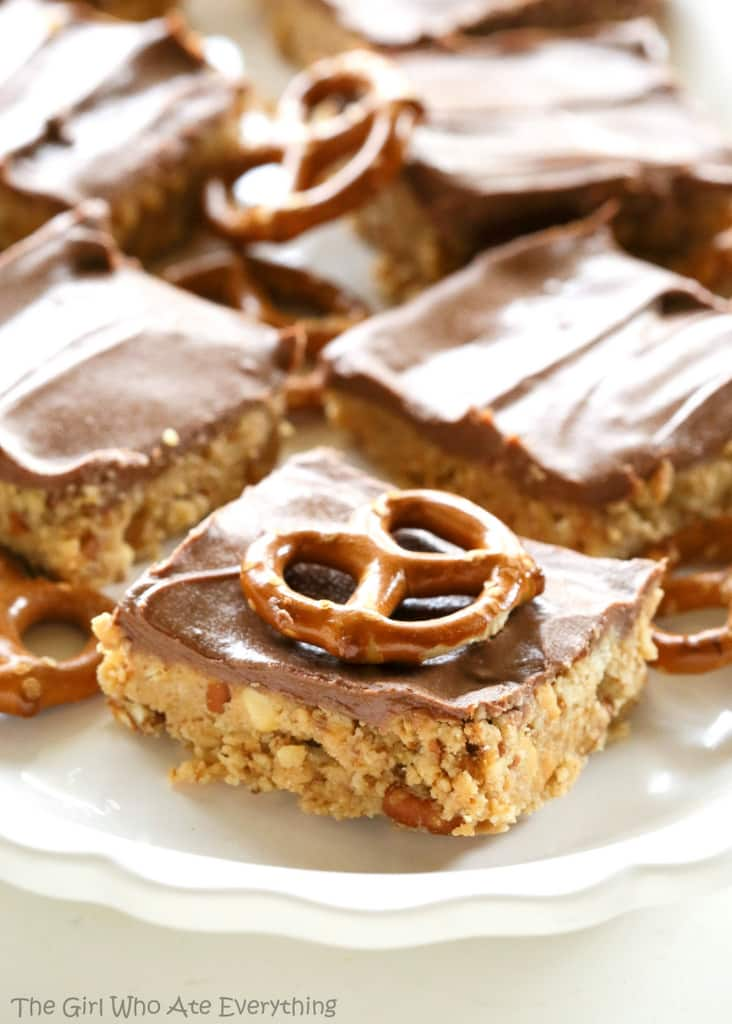 Chocolate Peanut Butter Pretzel Ritz Bars - peanut butter and chocolate bars that are out of this world. the-girl-who-ate-everything.com