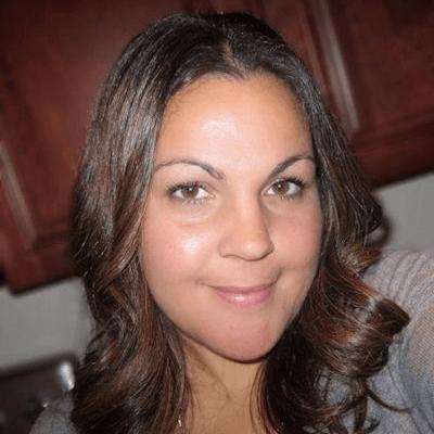 Diana Miller Profile Picture-SQUARE (1)