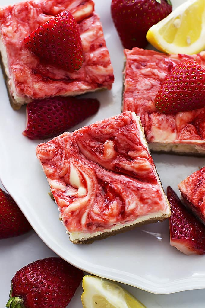 Strawberry Lemon Cheesecake Bars | Le Creme De La Crumb
