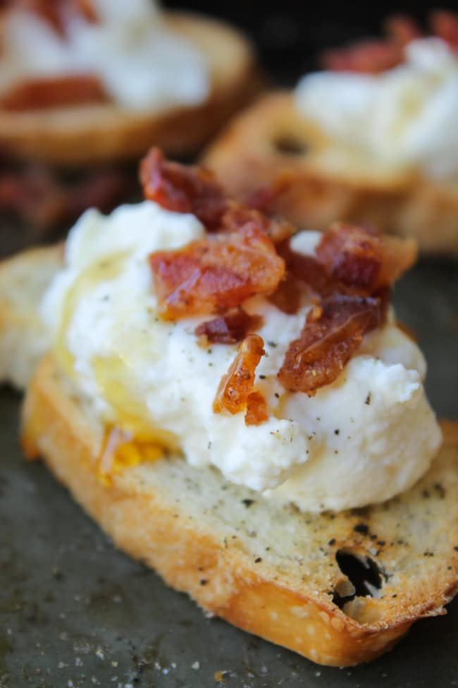 bacon ricotta crostini