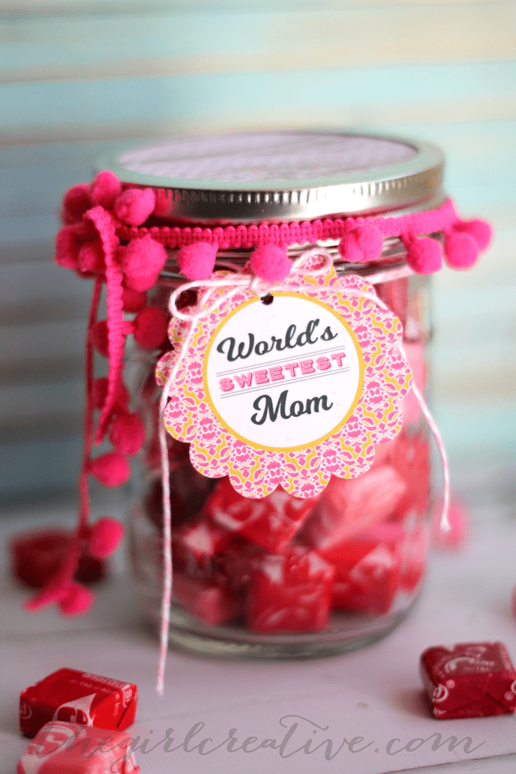 World's Sweetest Mom Mother's Day Candy Jar with printable tags
