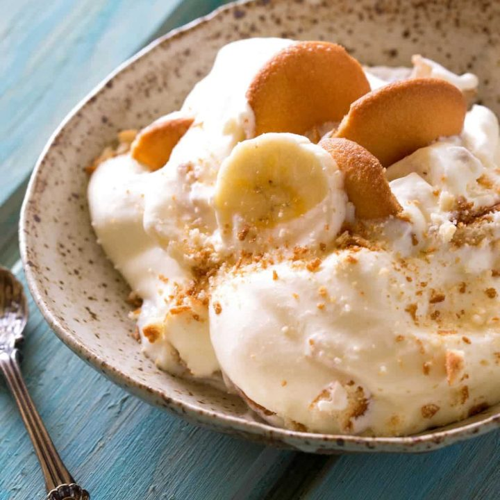 Magnolia Bakery's Famous Banana Pudding - THE recipe from their cookbook. It's heaven. the-girl-who-ate-everything.com