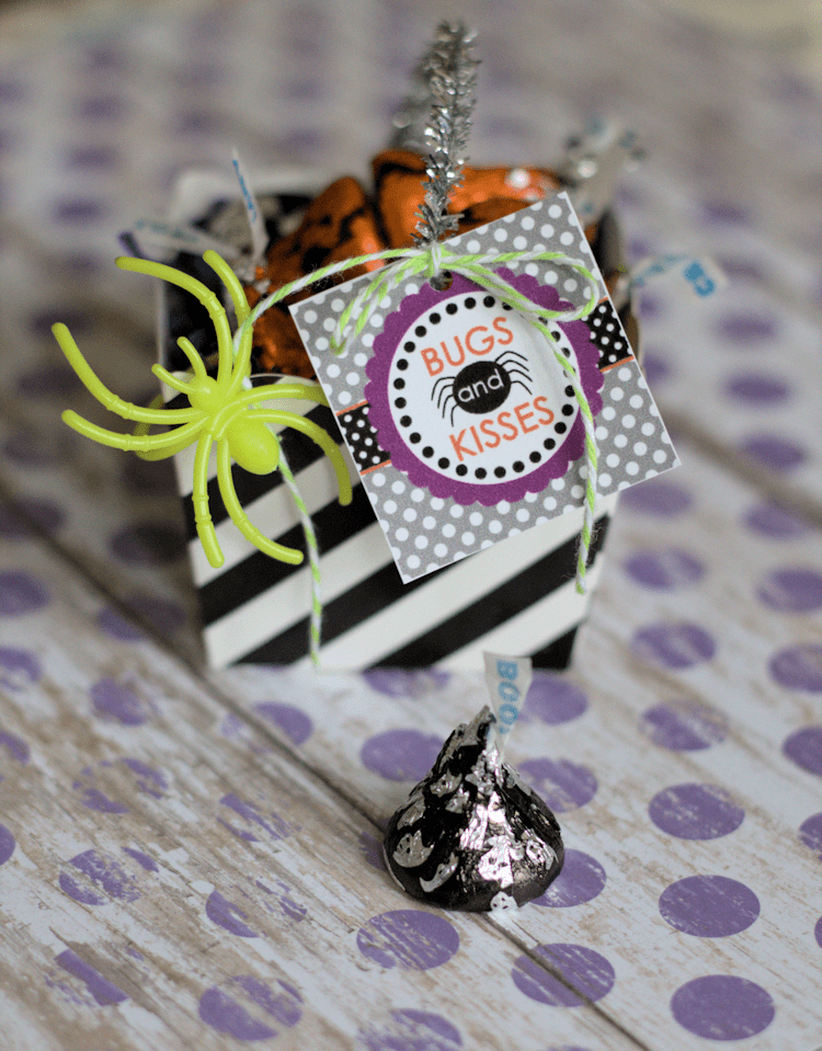 Bugs and Kisses Halloween Favors - These make the perfect classroom Halloween party treat.