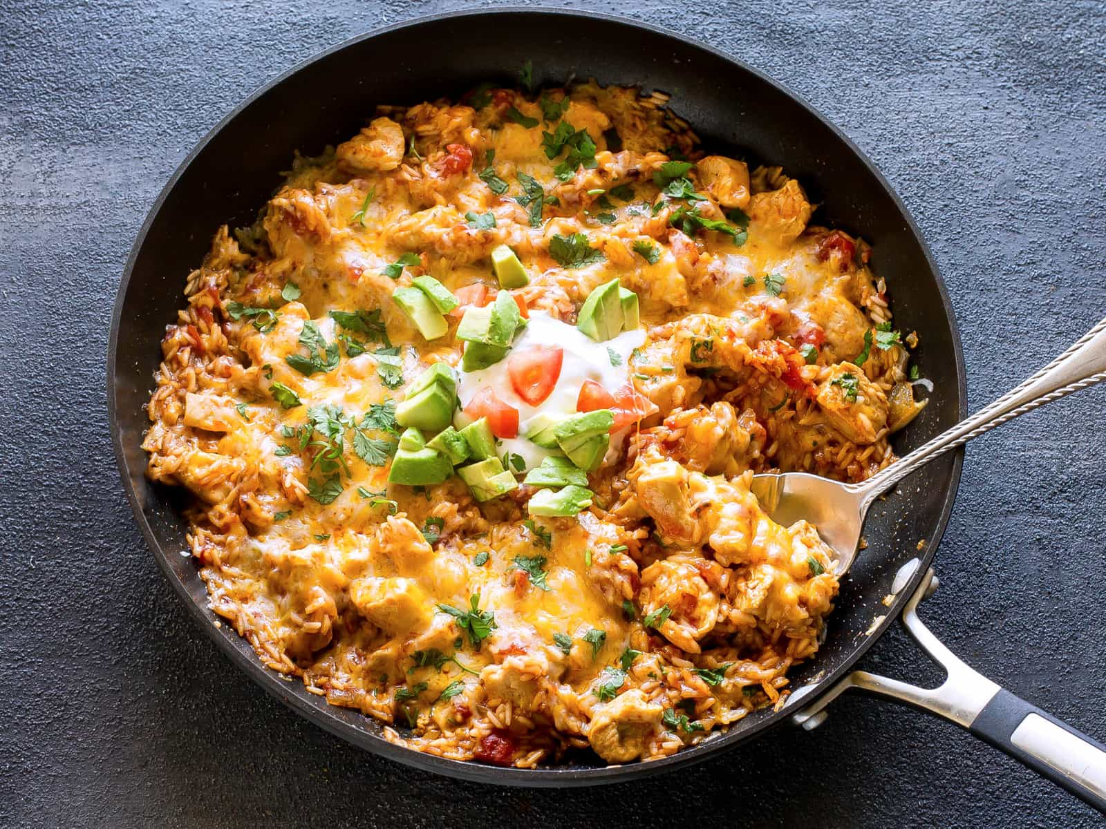 One pan mexican chicken and rice the girl who ate everything one pan mexican chicken and rice an easy dinner ready in under 30 minutes forumfinder