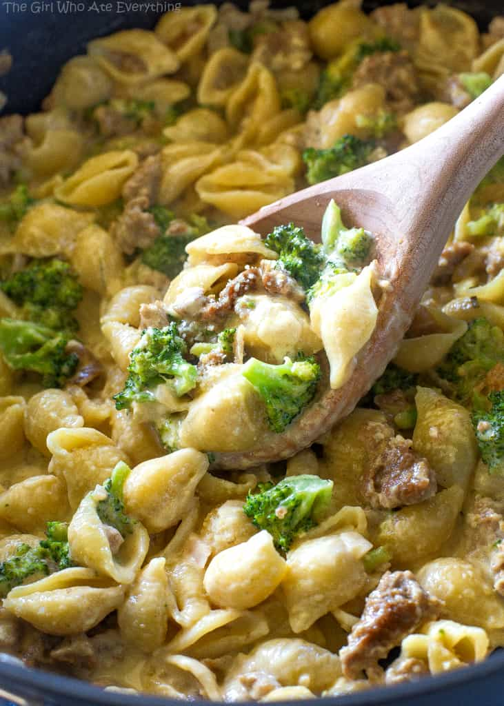 This One-Pot Sausage Broccoli Pasta is an easy weeknight dinner that comes together in less than 30 minutes. Creamy pasta, spicy sausage, and tender broccoli all in a one-pot dish.