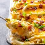 These Jalapeno Popper Mashed Potatoes are creamy mashed potatoes loaded with cheese, bacon, and crispy jalapenos. These will take your Thanksgiving (or Friendsgiving) to the next level. the-girl-who-ate-everything.com