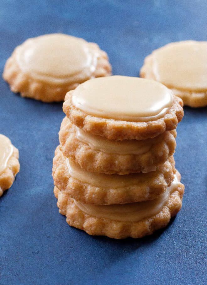 Maple shortbread cookie with maple icing