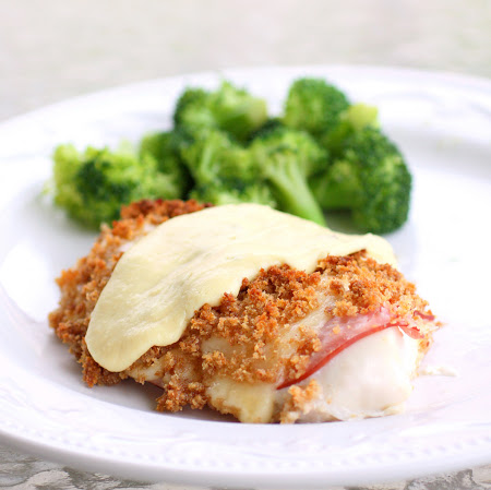 This Easy Chicken Cordon Bleu is one of the best chicken dinner recipes that I make. the-girl-who-ate-everything.com