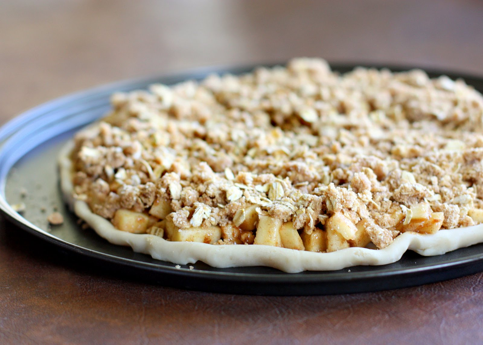 ... crisp apple crisp apple crisp apple crisp pizza with caramel sauce
