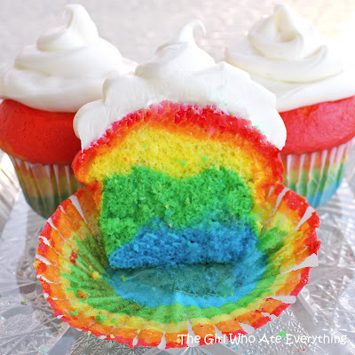 Rainbow Cupcakes - Easy and the kids love them! the-girl-who-ate-everything.com