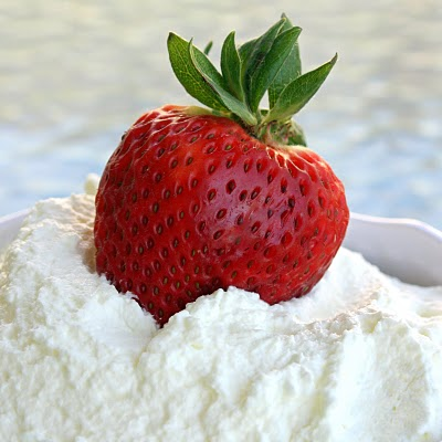 How to make homemade Whipped Cream - The Girl Who Ate Everything