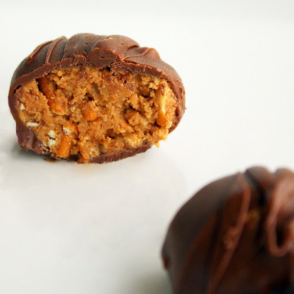 Peanut Butter Pretzel Truffles - The Girl Who Ate Everything