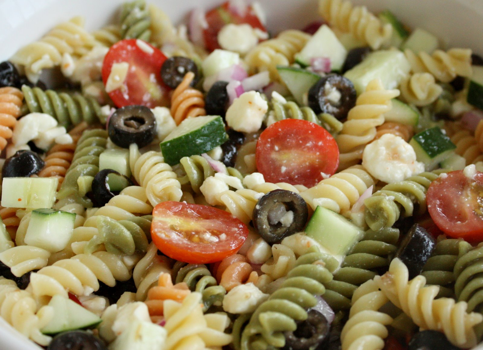 Feta and vegetable rotini salad the girl who ate everything Pasta salad recipe cold