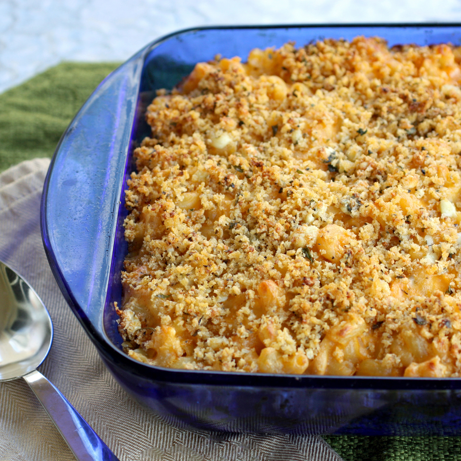 Buffalo Chicken Macaroni and Cheese - The Girl Who Ate Everything