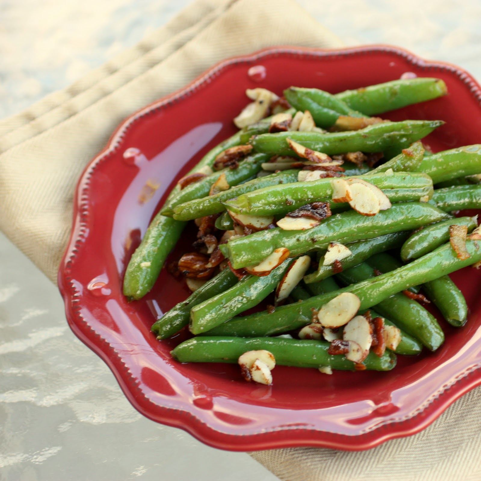 Green beans with bacon and almonds the girl who ate for Easy thanksgiving green bean recipes